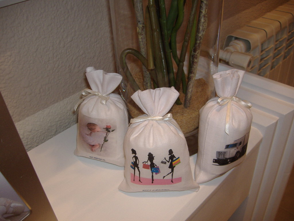 bolsas, madera, mesa, flores